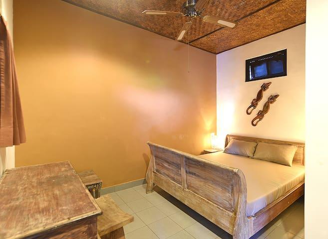 Puri Agung Homestay: Legian - Room 10