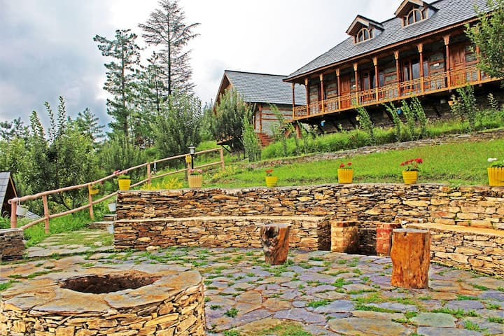 BluePine Wood | Traditional Home | Cheog