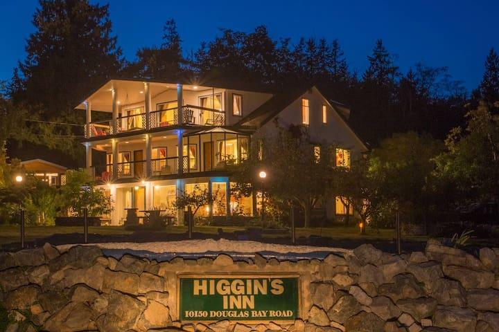 Higgin's Inn Suite 3 The Penthouse