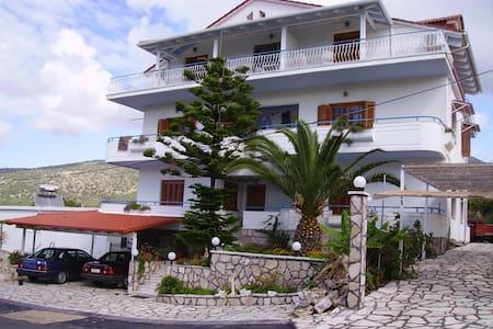 Samoilis Rooms Perdika Thesprotias - Perdika - Lakás