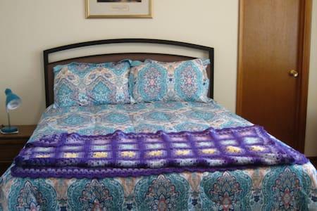 Sunny Silver City Bedroom - Silver City