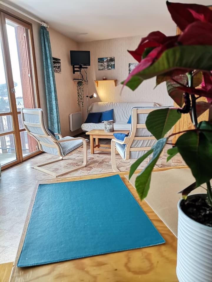 "Studio ""Vintage"" avec petite terrasse"