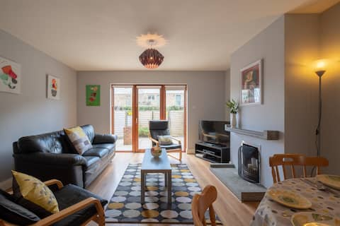 Newly Refurbished  3 bed Town House in City.