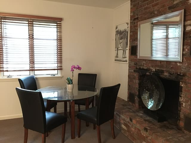Quaint Apartment 2 miles from Beach - Southampton - Apartemen