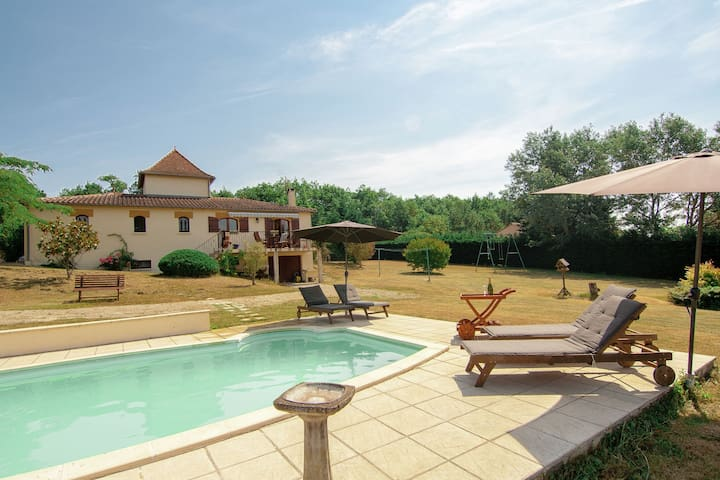 Charming villa with private pool, large garden and wonderful views.