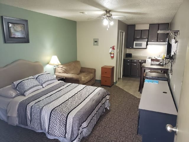 Bachelor suite- Central location with parking