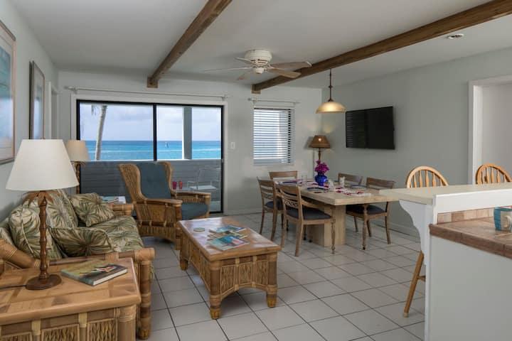 Coconut Coast Villas - Hibisuc Two Bedroom Waterfront Suite