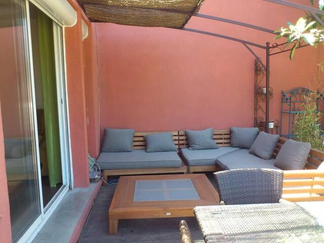 Chambre dans maison avec jardin 10mn de la mer