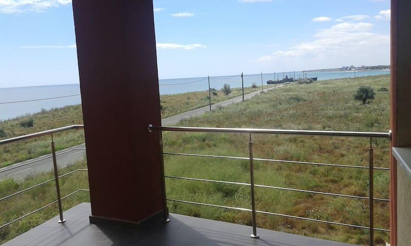 Large panoramic Sea View studio & beautiful beach - Costinești - Appartement