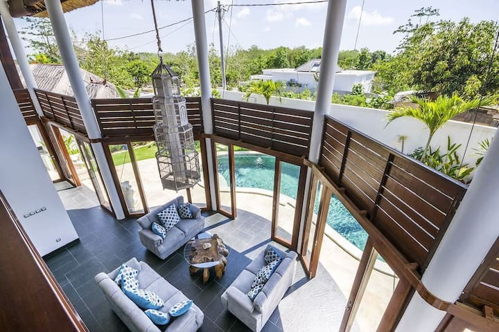 Unique architecture Villa - View from second floor (2 bedrooms and living room) - garden and nature view