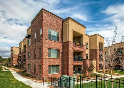 Beautiful,Spacious,Upscale 2 Bd/2 BA in Lone Tree - Centennial - Apartament