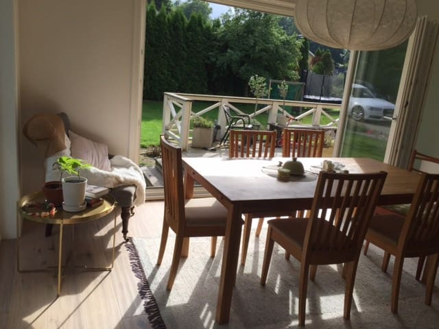 Live like a Swede in Scandinavian-style villa - Mölnlycke - House
