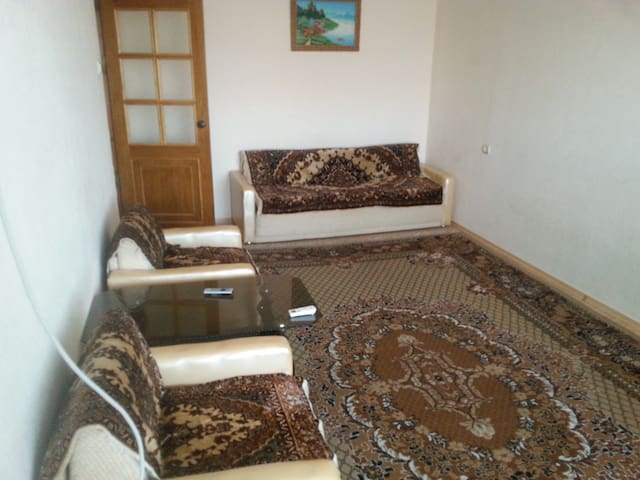 4-х комнатная, 6 спальных мест.