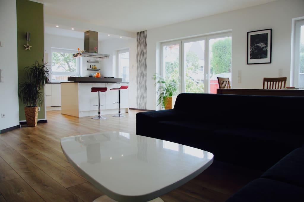 Küche und Wohnzimmer !!