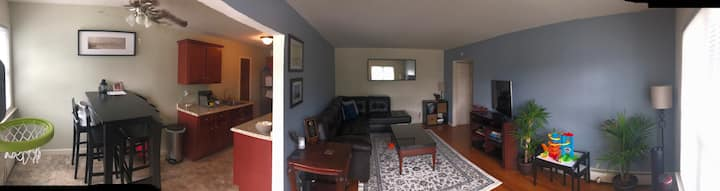 Cozy 1 bdr condominium minutes from beacon train