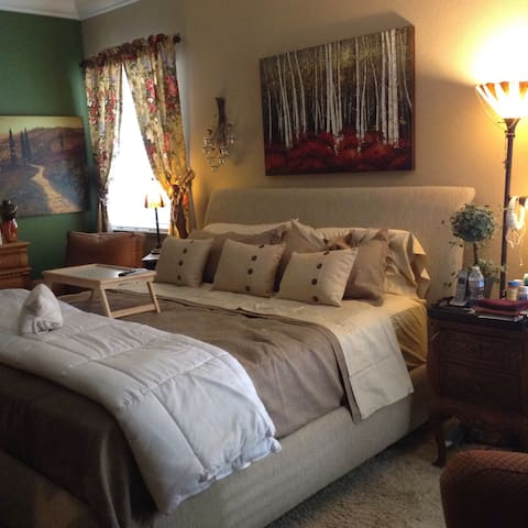 """5 Star"" Reviews! Monthly rates. - Modesto - Bed & Breakfast"
