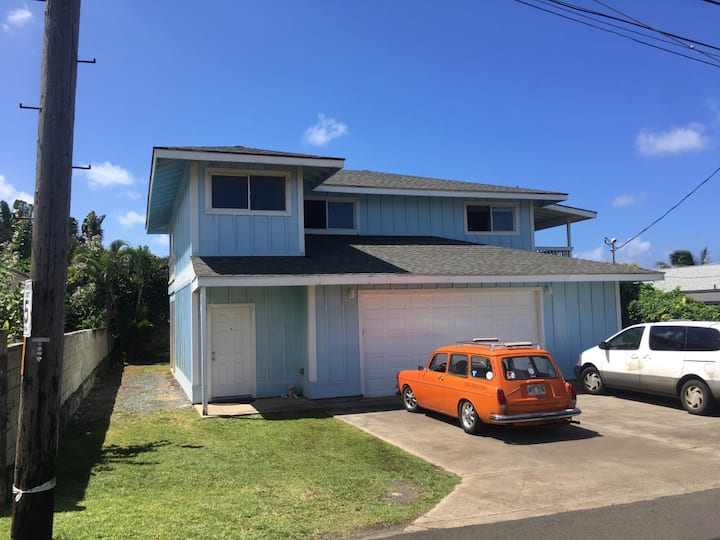 Ocean access 3 bedroom walk to beach and shopping