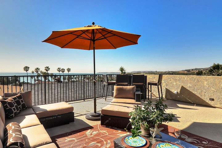 NEW LISTING! Oceanview home w/fireplace & rooftop patio, walk to North Beach