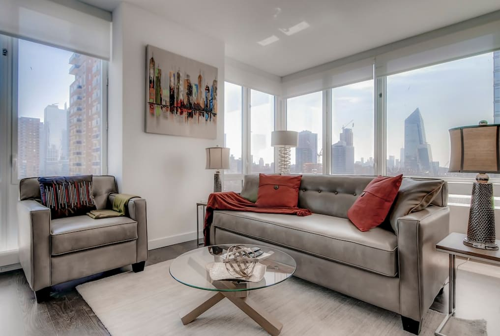 Living room with magnificent views of midtown