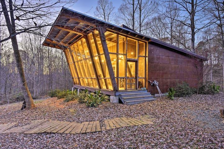 NEW! Wooded Retreat: Walk to Haw River+Sax Village
