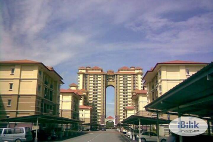 Santuary courtyard 3 room apartment