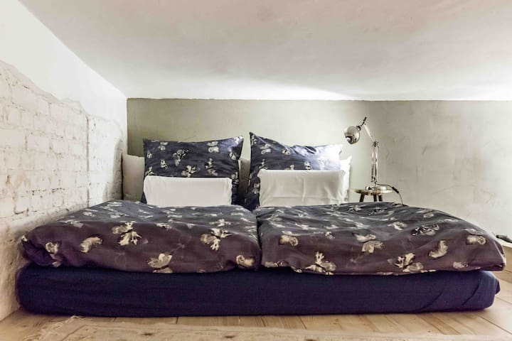 Huge ( 160x200) loft bed
