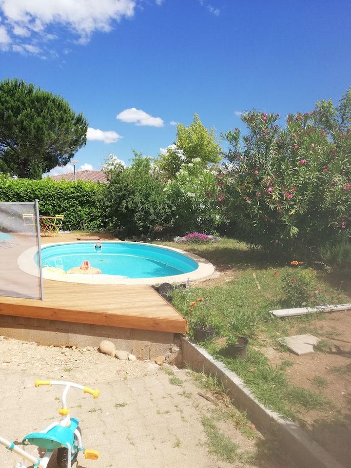 Maison  4 personnes avec piscine-