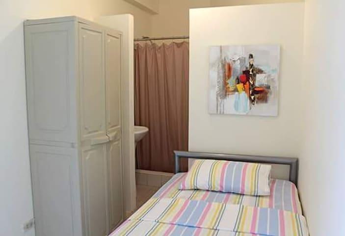 Bedroom in Samborondón-Habitación en Samborondón - Samborondon - Casa