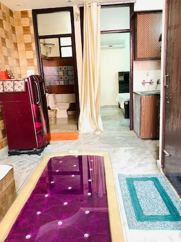 Oneness Home Suite 10 mins frm Red Fort, Bus stand