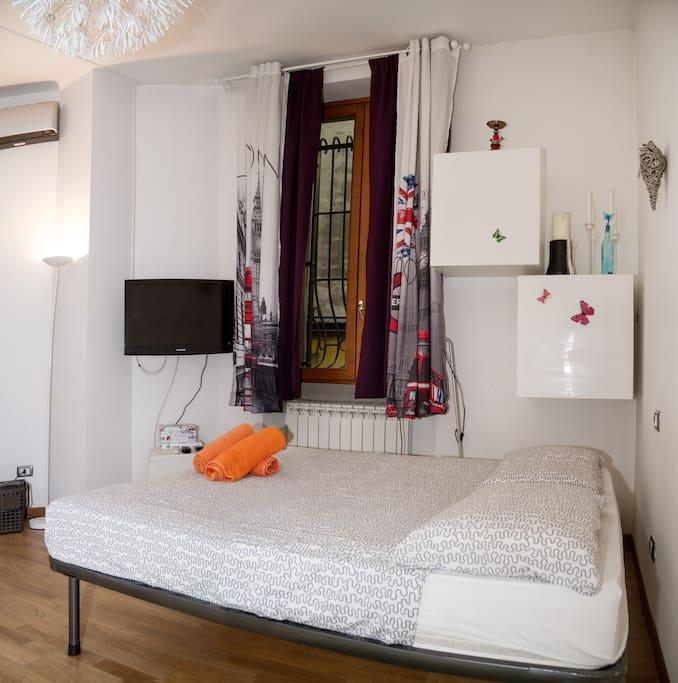 chic modern centric milan wohnungen zur miete in mailand lombardei italien. Black Bedroom Furniture Sets. Home Design Ideas