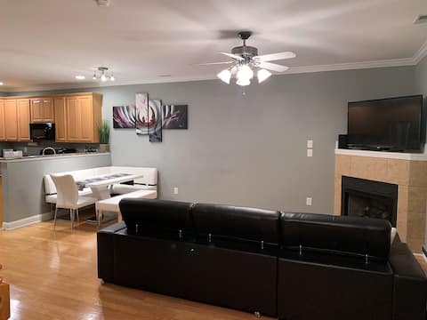 Modern & Spacious in the Heart of Fayetteville