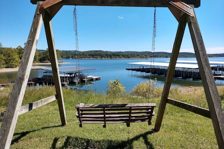 Great Waterfront 2-Bdrm by SDC Sleeps 10!