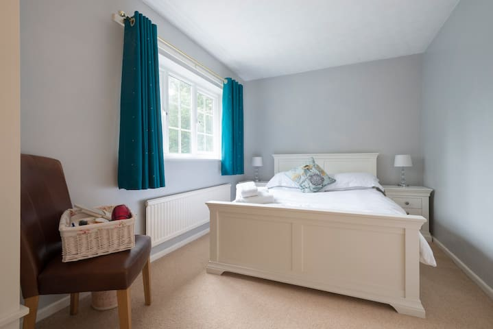Double Room. Close to Norwich. £25 per night