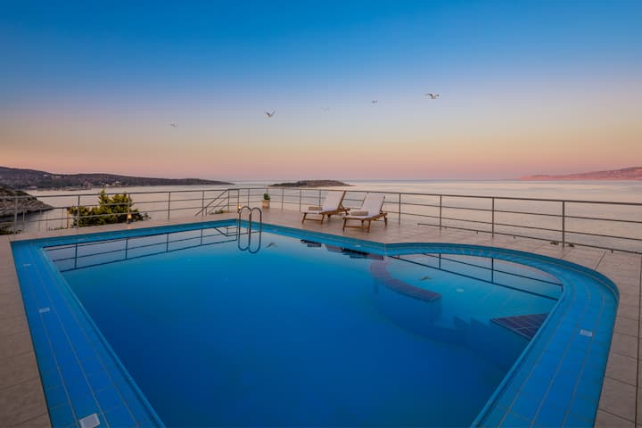 Villa Elion with Pool and Amazing Views