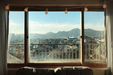A Room of One's own - 북촌, 창덕궁, 국립현대미술관 - Jongno-gu