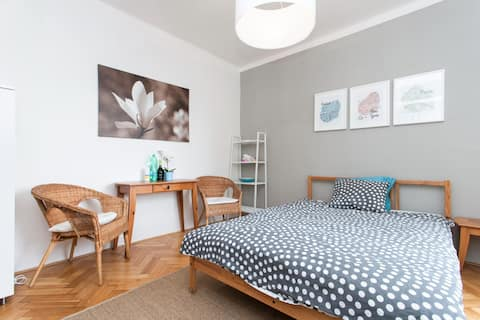 Near Prague Castle cozy studio