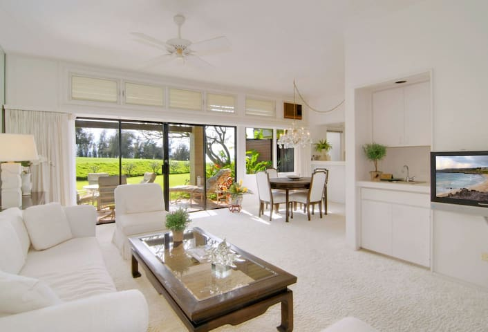 Kapalua Ridge 2112. Morning rainbows and peaceful seclusion in a dazzling villa!