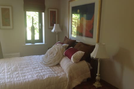 The Room at Number 20 - Illogan