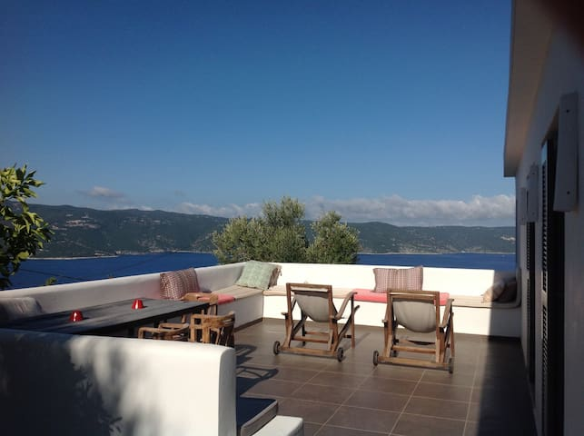 Architect house overlooking Ionian sea - Ithaca