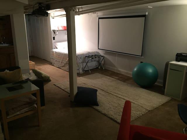 Cozy, convenient studio with all the amenities! - Washington - Casa