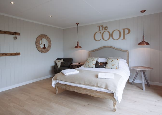 GG's Sea View Snugs - The Coop