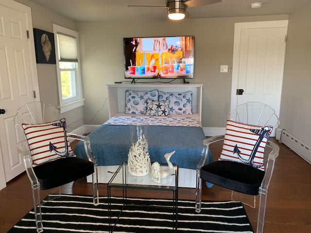 Elegant Ocean View Beach House-Sleeps 6-8