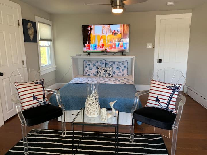 Elegant Ocean View Beach House-Sleeps 6-8