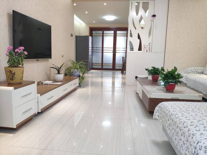 【免费接+地暖】华山景区近游客中心清馨幽舍超大两居室