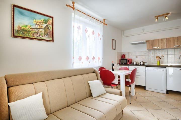 Apartment Premate (16172-A2)