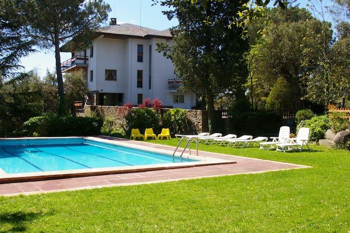 Can Verdaguer, para 25 personas - Sant Pere de Vilamajor - Huis