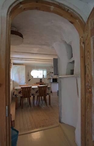 Mysig Visbylägenhet nära havet - Visby - Appartement