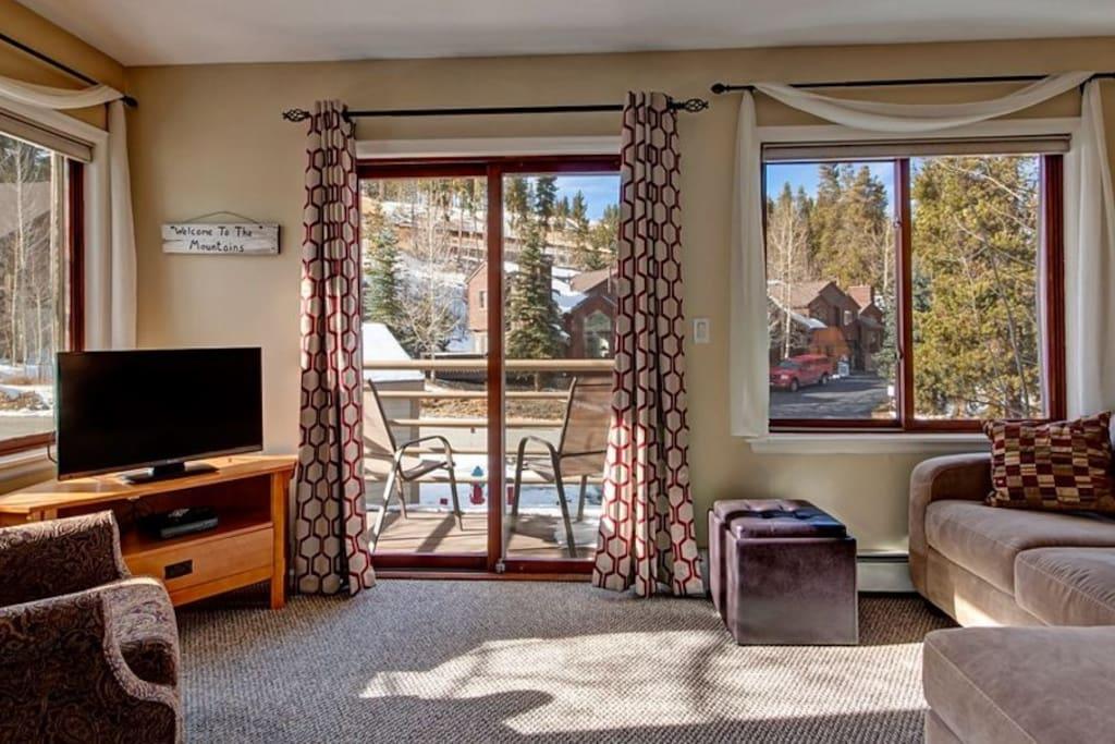 Ski in condo steps to main st snowflake lift for Affitto cabina breckenridge co