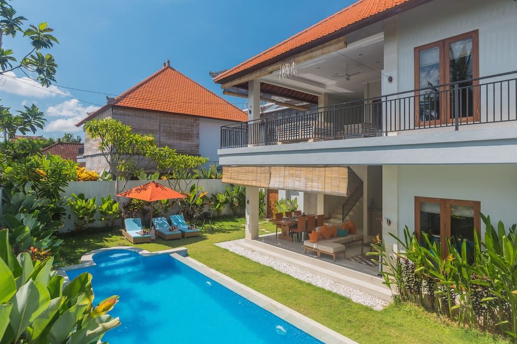 Two storey villa with luxury design, tropical garden and cristal swimmming pool