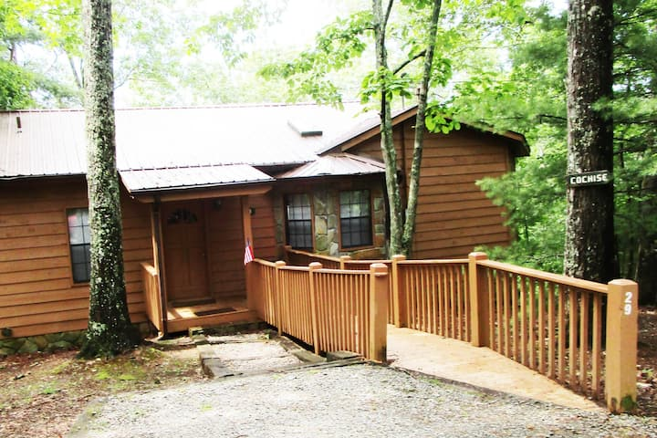 Cochise cabin with hot tub and electric logs